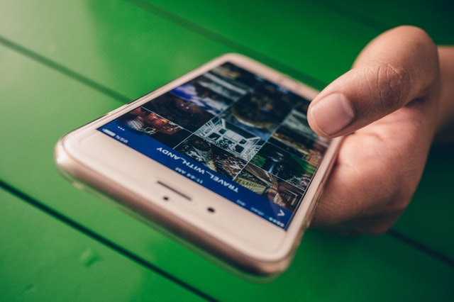 Researchers Identify Smartphone Using Only a Single Photo Taken by Device