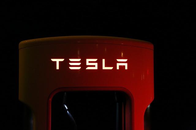 Tesla to Investigate Hacking of Cloud Platform